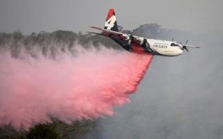 الصورة: الصورة: تحطم طائرة إطفاء في استراليا ومقتل أفراد طاقمها