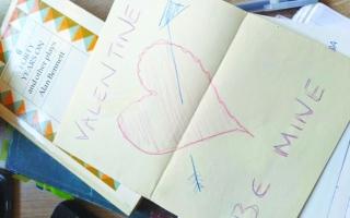الصورة: الصورة: العبارات المدونة على الكتب المستعملة تحوي قصصاً مؤثرة