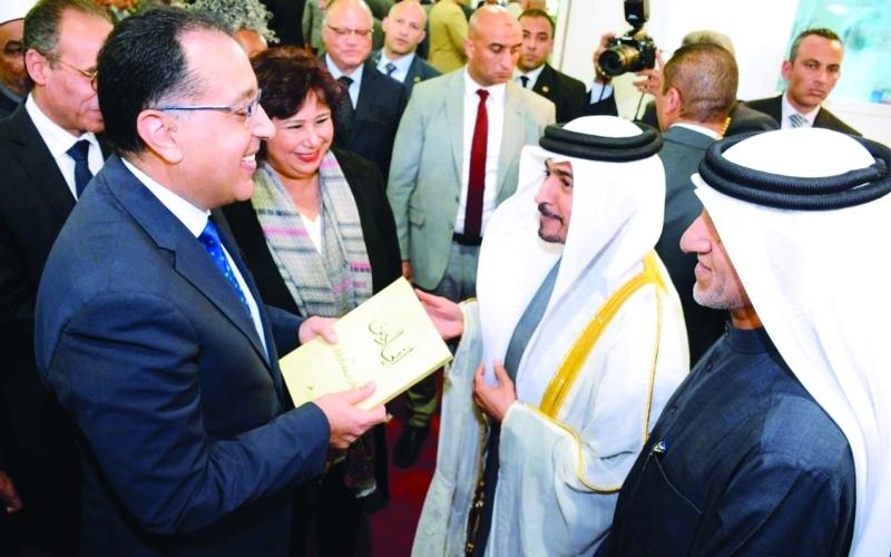 الصورة: الصورة: رئيس الحكومة المصرية يشيد بمبادرات حاكم الشارقة الثقافية