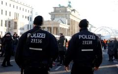 الصورة: الصورة: مقتل امرأة برصاص الشرطة في برلين