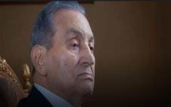 الصورة: الصورة: علاء مبارك يكشف حالة والده الصحية