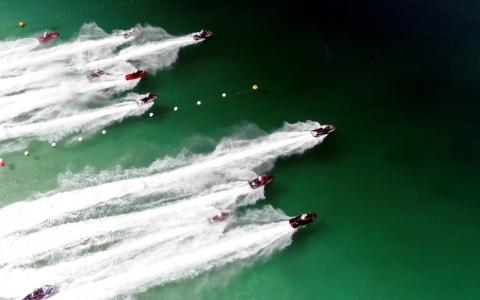الصورة: الصورة: سباق دبي الدولي للدراجات المائية ينطلق في «لامير» اليوم