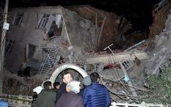الصورة: الصورة: ارتفاع قتلى زلزال تركيا إلى 20 شخصاً