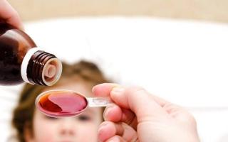الصورة: الصورة: «صحة دبي» تحذر من جرعات الأدوية الزائدة للأطفال