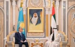 الصورة: الصورة: محمد بن زايد يجري مباحثات رسمية مع رئيس كازاخستان