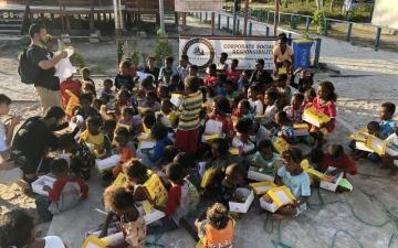 الصورة: الصورة: «حمدان بن محمد للتصوير» تدعم أطفال إندونيسيا بـ«لكم»