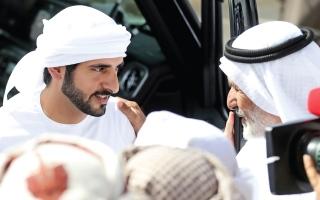 حمدان بن محمد يشهد رابع أيام مهرجان الهجن بالمرموم