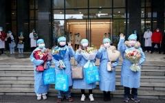 الصورة: الصورة: شفاء 3281 مصابا بكورونا وخروجهم من المستشفى