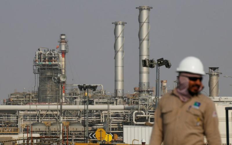 الصورة: الصورة: تصدير الغاز والبتروكيماويات السعودي قريباً