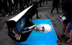 الصورة: الصورة: «بوتين» يغزو قلب اسطنبول