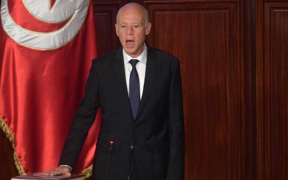 الصورة: الصورة: الرئيس التونسي يلوح بحل البرلمان