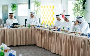 الصورة: الصورة: عبدالله بن زايد يترأس اجتماع لجنة الاحتفال باليوبيل الذهبي في مقر إكسبو2020 دبي