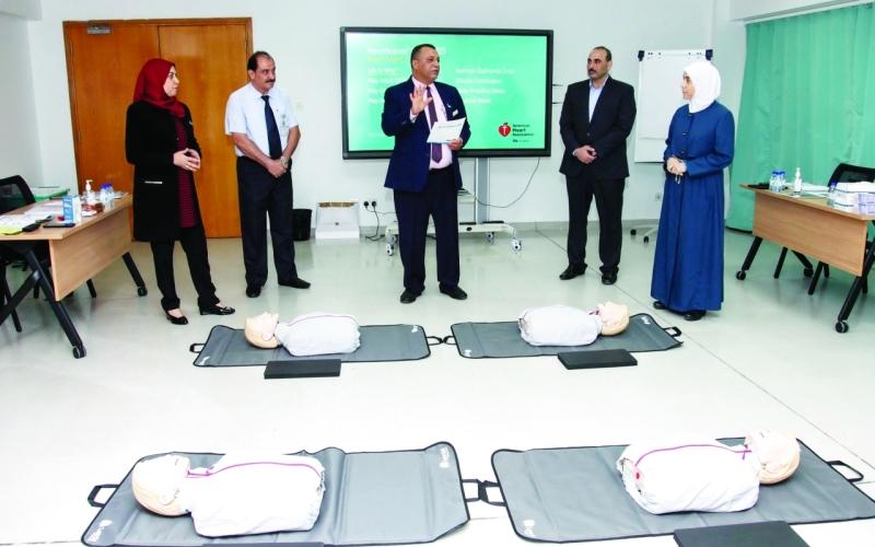 الصورة: الصورة: «الصحة» تدرِّب الطلبة على برنامج «خبراء القلب»