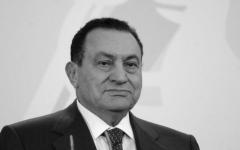 الصورة: الصورة: محمد بن زايد: حسني مبارك قائد عربي مخلص وقف بقوة ضد الإرهاب