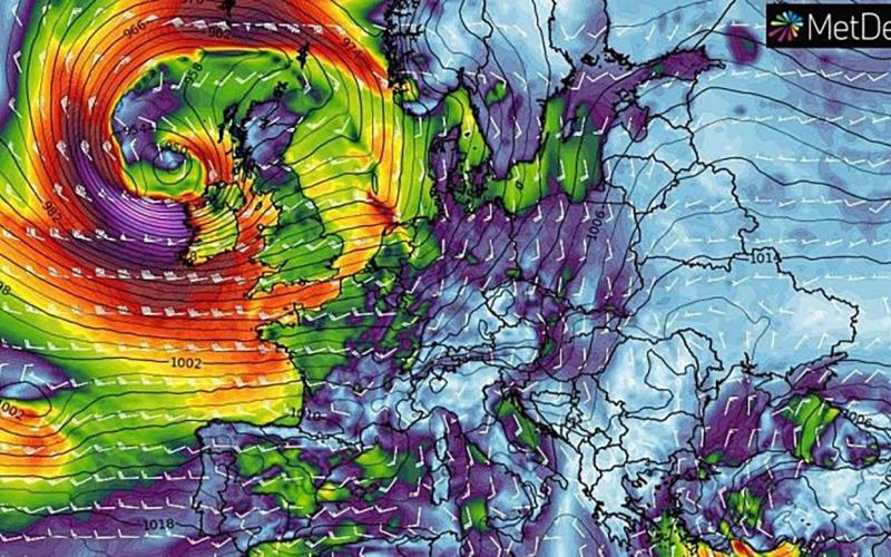 """الصورة: الصورة: بعد """"دينيس"""" و""""سيارا"""".. غرب أوروبا على موعد مع العاصفة خورخي"""