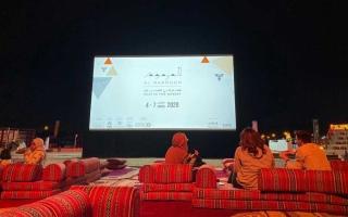 الصورة: الصورة: دبي .. صحراء المرموم تحتضن شغف الشباب بصناعة الأفلام