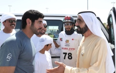 الصورة: الصورة: محمد بن راشد يشهد السباق الرئيسي لكأس ولي عهد دبي للقدرة في سيح السلم