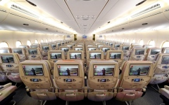 الصورة: الصورة: شاهد.. كيف تعقم طيران الإمارات أسطولها حفاظا على سلامة المسافرين