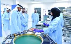 الصورة: الصورة: محمد بن راشد ومحمد بن زايد: المرأة الإماراتية نموذج عالمي في التفوق والتمكين