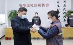 الصورة: الصورة: بالفيديو.. الرئيس الصيني يقوم بأول زيارة إلى ووهان بؤرة انتشار كورونا