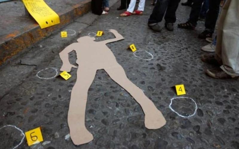 الصورة: الصورة: اعتقدوا أنه يمارس السحر الأسود فقتلوه