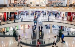 الصورة: الصورة: تأمين التسوق في دبي بتدابير وقائية دقيقة