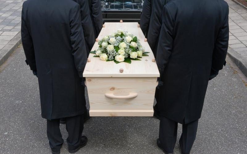 الصورة: الصورة: دفن امرأة قتلت بوحشية قبل 100 عام
