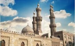 الصورة: الصورة: مصر توقف صلاة الجمعة والجماعة في المساجد وتؤجل الامتحانات