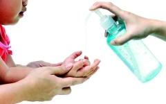 الصورة: الصورة: غسل الأيدي.. ثقافة يجب غرسها  لدى الأبناء