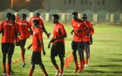 الصورة: الصورة: لاعبو المنتخب السوداني : خليك بالبيت