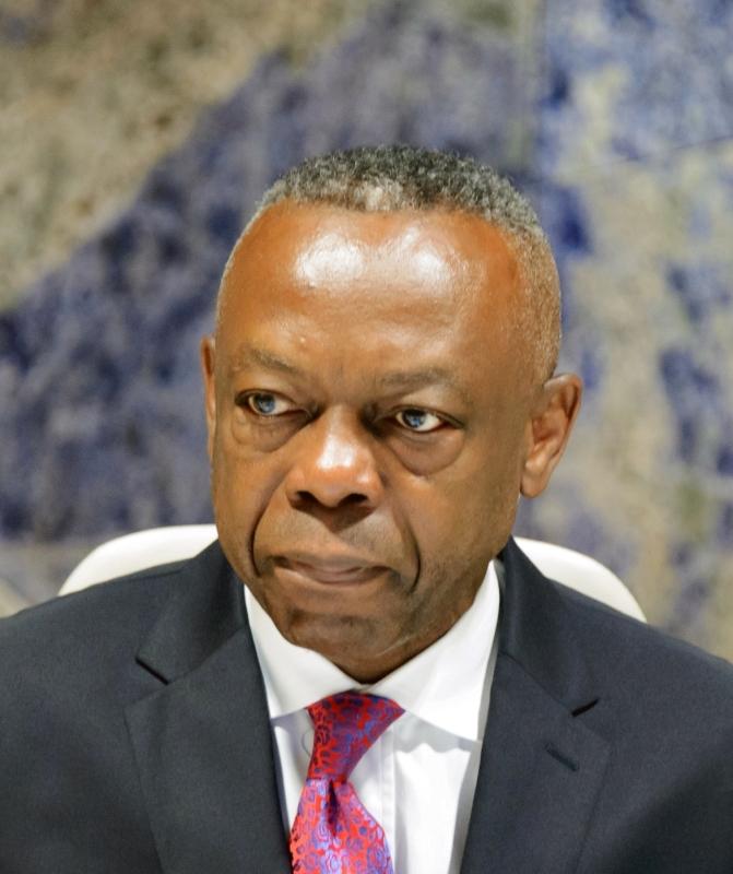 الصورة : سيليستان مونغا  - نائب الرئيس وكبير الاقتصاديين في مجموعة بنك التنمية الأفريقي، سابقاً، والمدير العام لمنظمة الأمم المتحدة للتنمية الصناعية، ويشغل حالياً منصب كبير المستشارين الاقتصاديين في البنك الدولي