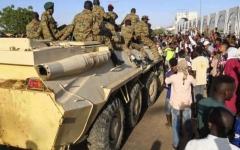 الصورة: الصورة: انتشار عسكري في الخرطوم في ذكرى الاعتصام