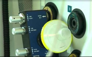 """الصورة: الصورة: """"مرسيدس فورمولا 1"""" تصمم جهاز تنفس لإنقاذ مرضى كورونا"""