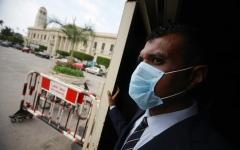 الصورة: الصورة: مصر تقتطع 20 % من رواتب أعضاء مجلس الوزراء وتمدد الحظر أسبوعين