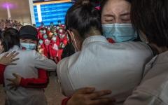 الصورة: الصورة: تراجع الوباء في بعض البلدان نافذة أمل للجميع