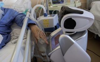 الصورة: الصورة: الروبوتات في خدمة الطواقم الطبية بمواجهة «كورونا»