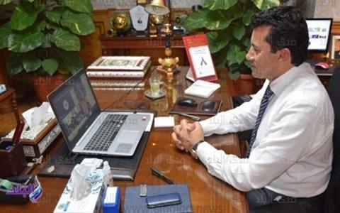 الصورة: الصورة: وزير الرياضة المصري يطمئن على الرياضيين بالحجر الصحي