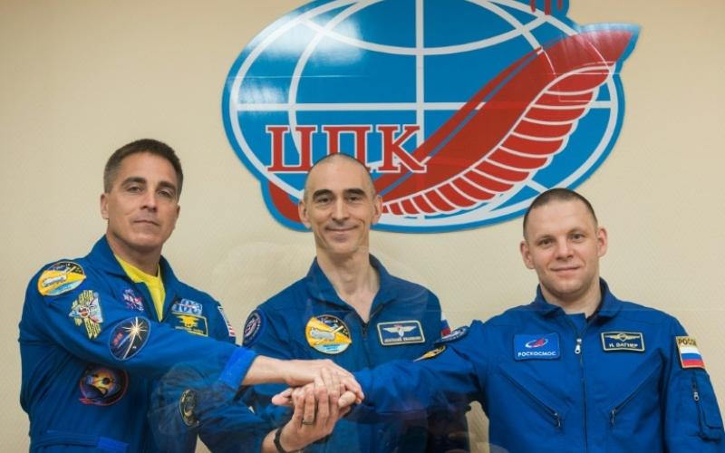 الصورة: الصورة: انطلاق ثلاثة رواد إلى محطة الفضاء الدولية رغم تفشي فيروس كورونا