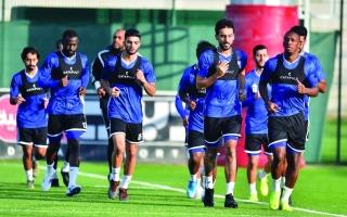 الصورة: الصورة: المنصوري: «كورونا» لن يثنينا عن تطوير كرة الإمارات