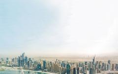 الصورة: الصورة: المحفزات والتدابير تتوالى في دبي وأبوظبي