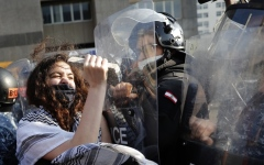 الصورة: الصورة: لبنان.. خطة إنقاذ تخترق مشهد «ثورة الجياع»