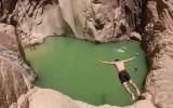 الصورة: الصورة: في قلب سيناء المصرية.. بحيرة ساحرة تخرج من باطن الجبال