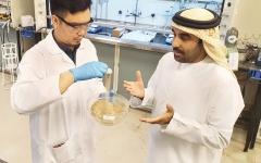 الصورة: الصورة: جامعة خليفة تطوّر «تربة اصطناعية» صالحة للزراعة بالإمارات