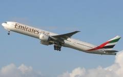 """الصورة: الصورة: سيدة نيجيرية تلد طفلاً على متن رحلة لـ """"طيران الإمارات"""""""