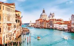 الصورة: الصورة: إيطاليا تستقبل السياح بداية الشهر القادم