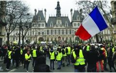 الصورة: الصورة: السترات الصفراء تنظم أول احتجاج في فرنسا منذ تخفيف الإغلاق
