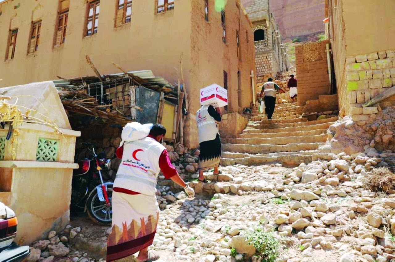 الصورة : إيصال مساعدات إلى السكان    وام