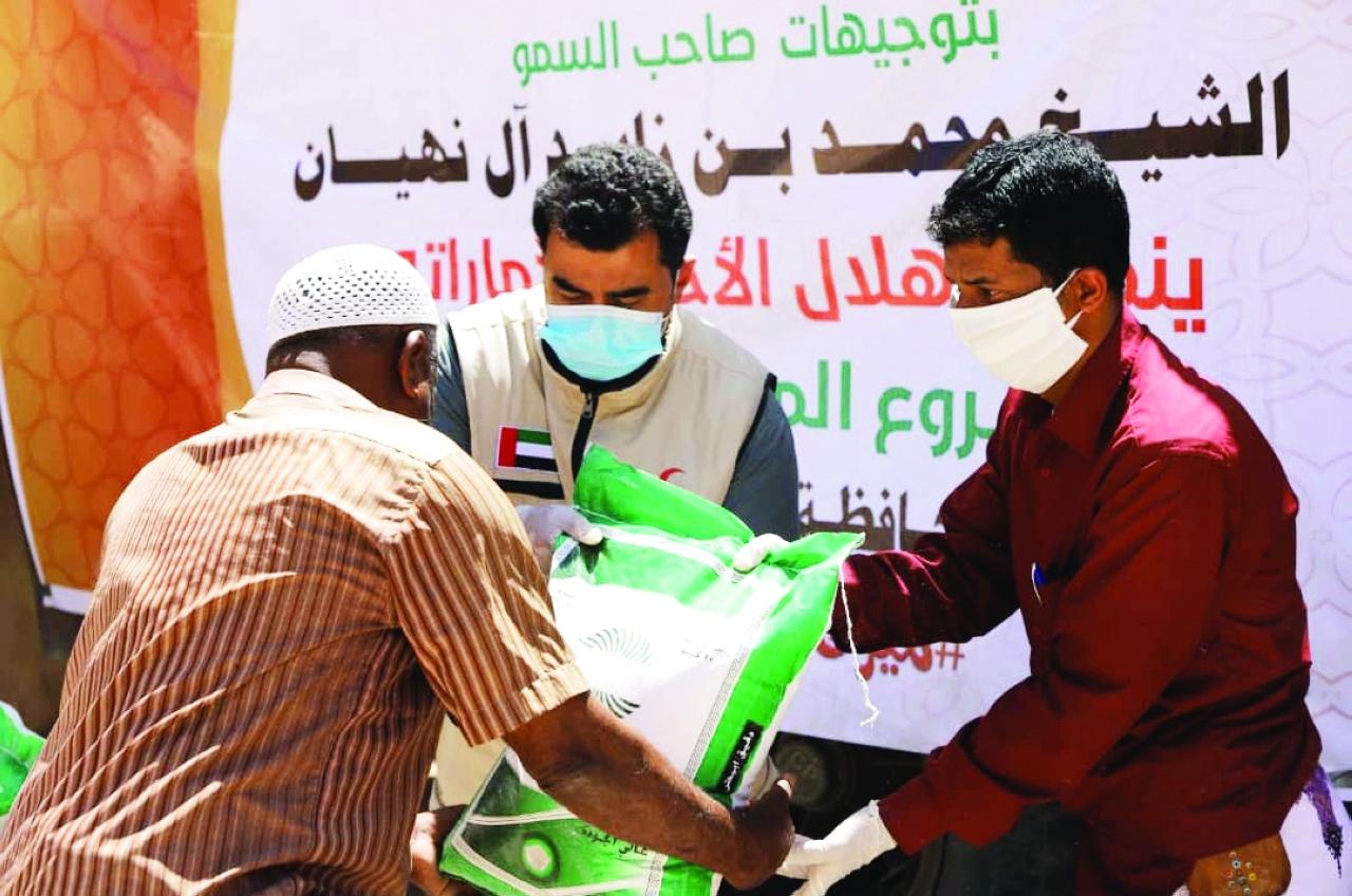 الصورة : توزيع مساعدات على سكان شبوة    وام