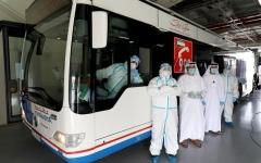 الصورة: الصورة: بالفيديو.. دبي تطلق أكبر حافلة بالعالم لفحص «كورونا»