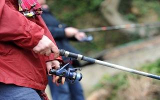 الصورة: الصورة: يستضيفهم في رحلة صيد ثم يبيدهم وهو في حالة سكر